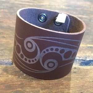 Genuine Leather Wrist Wrap / Cuff Bracelet NWT!